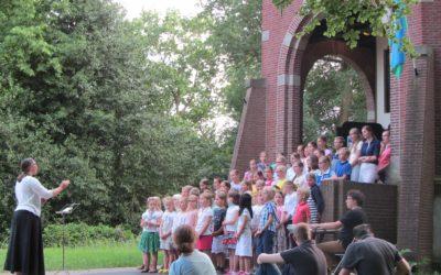 7 juni 2016: Zingen bij de Koepel Lunteren